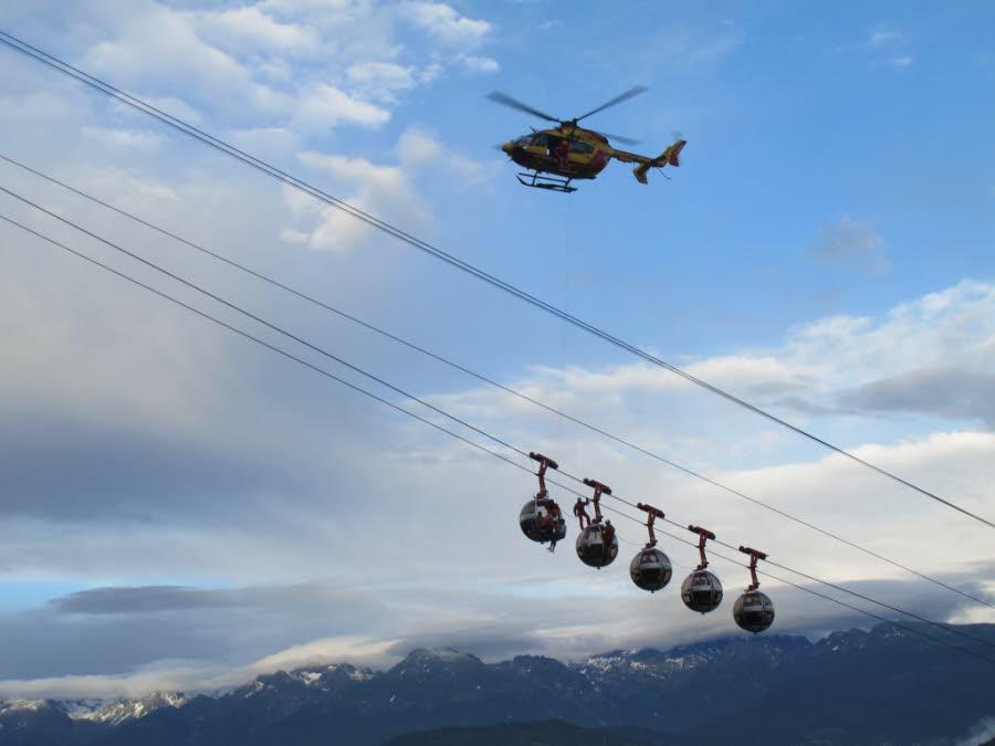 Image d'illustration pour Orage : déraillement d'un téléphérique à Grenoble sous des rafales de vent