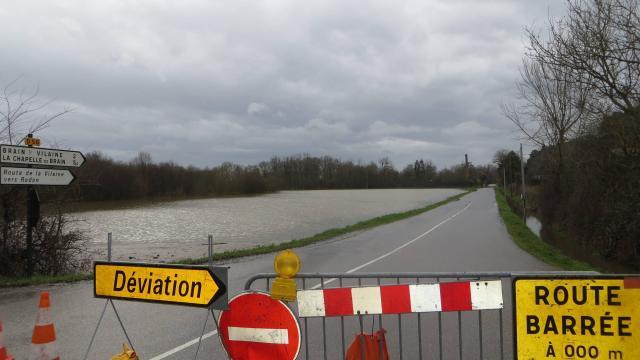Image d'illustration pour Orage fort sur le Nord-Ouest : rues inondées, supermarché effondré, foudre
