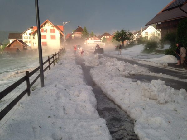 Image d'illustration pour Orage fort en Suisse - grêle et coulée de boue en Suisse Alémanique