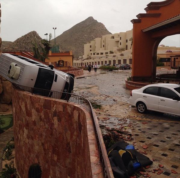 Cyclones Au Mexique : L'ouragan Odile Fait Des Dégâts, La