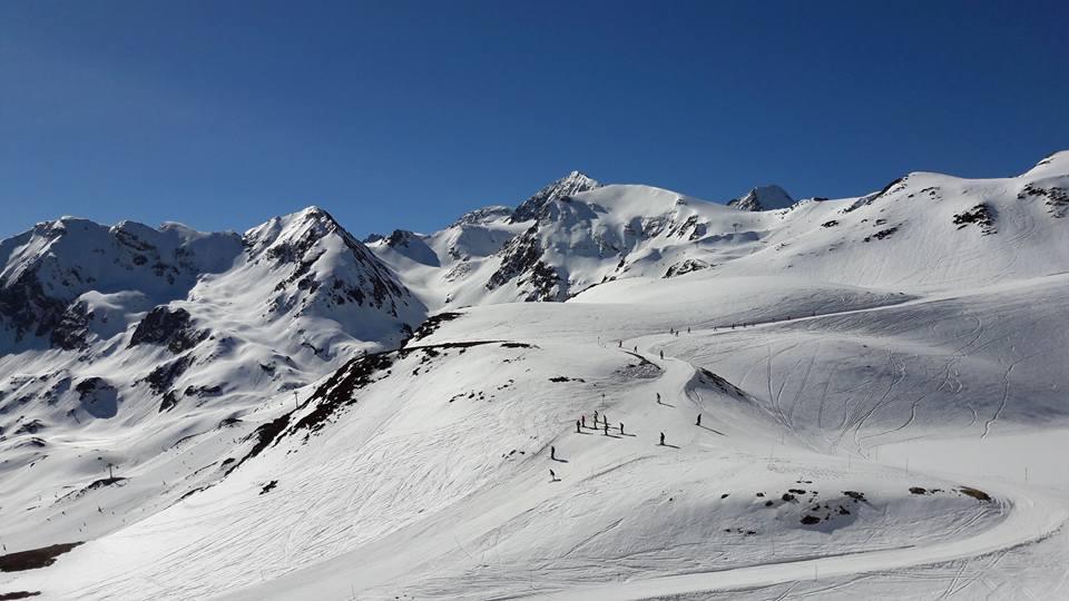 Image d'illustration pour Enneigement correct en montagne pour le début du printemps
