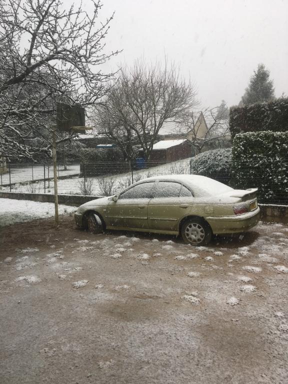 La   neige est arrivée  en Saône-et-Loire.