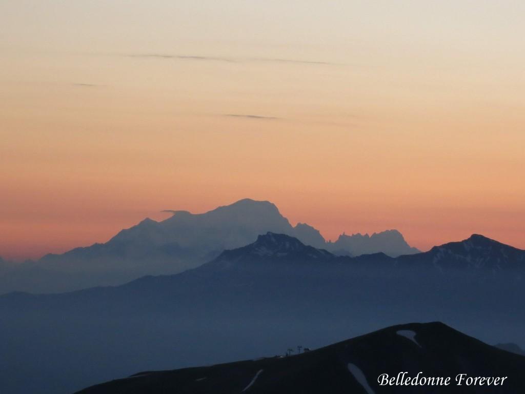 Pour fêter les jours qui raccourcissent - un des lever de soleil les plus matinaux de l'année sur le mont blanc A.P.