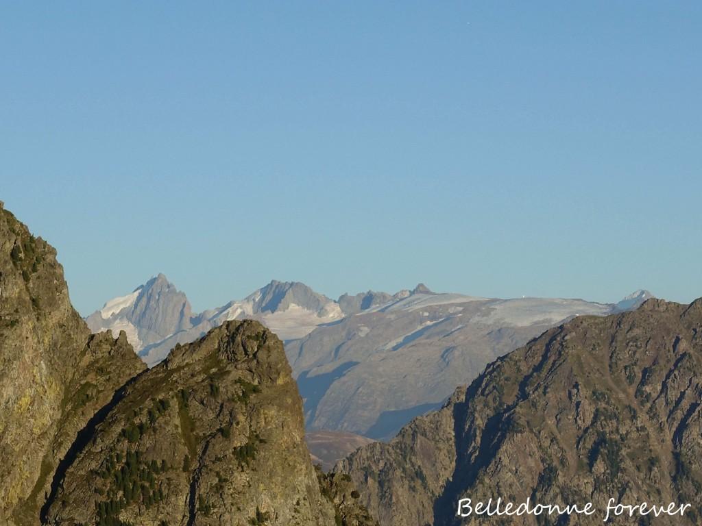 La Meije, les restes du glacier du mont de lans la barre de Ecrins.. A.P.