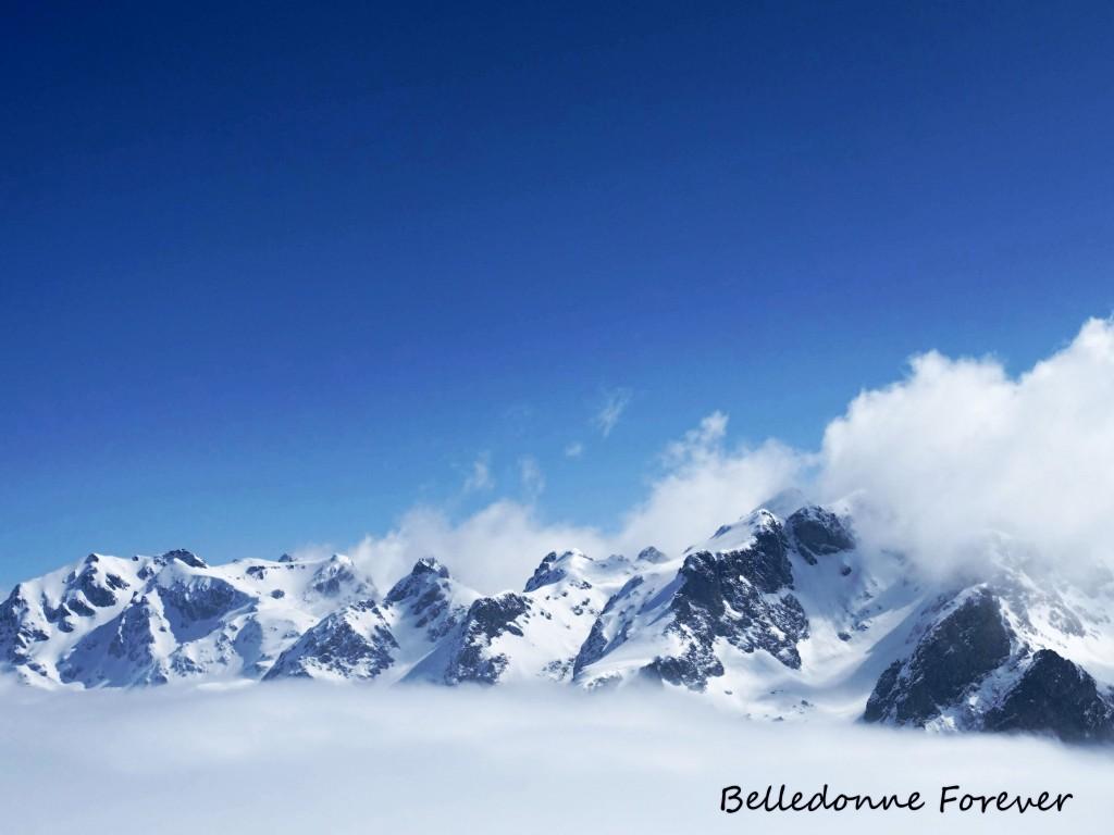 Les sommets de Belledonne émergent A.P.