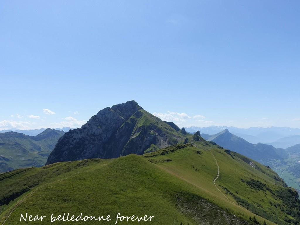 Mont Trélod 2181 m avec au fond Belledonne A.P.