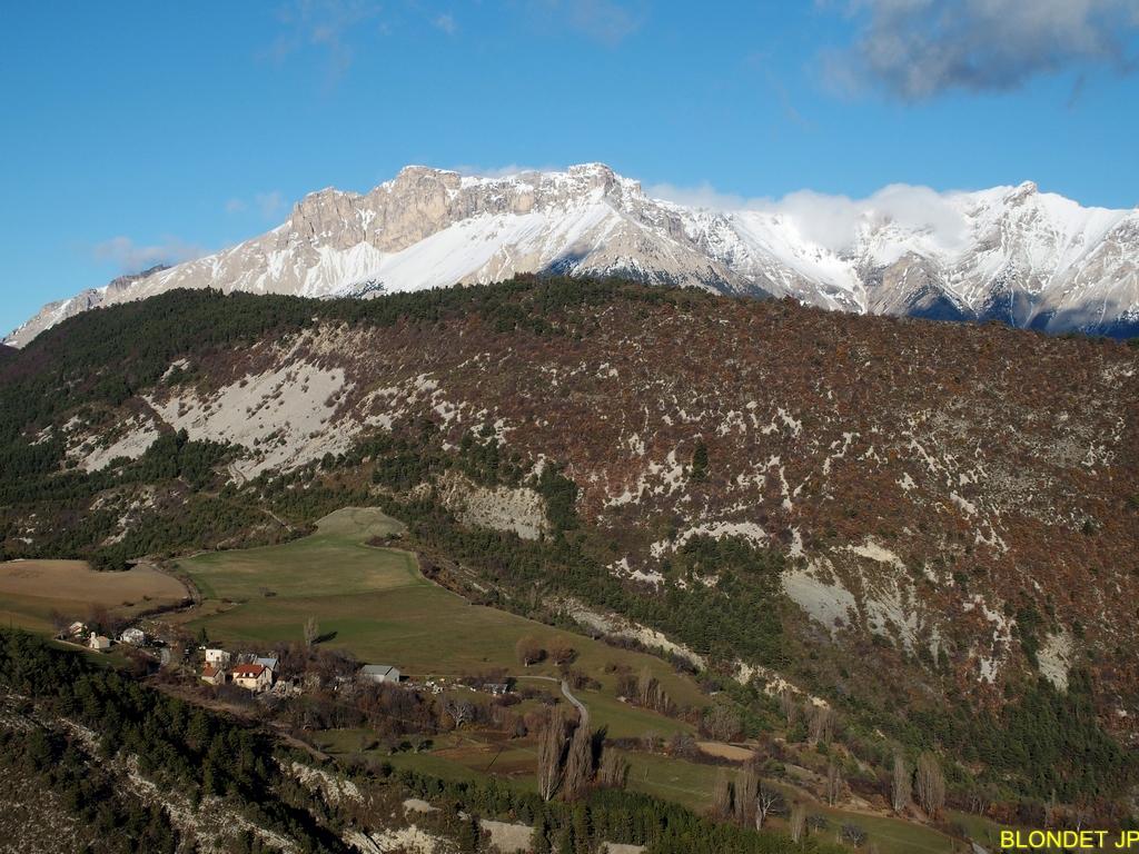 Châteauvieux et montagne d'Aurouze