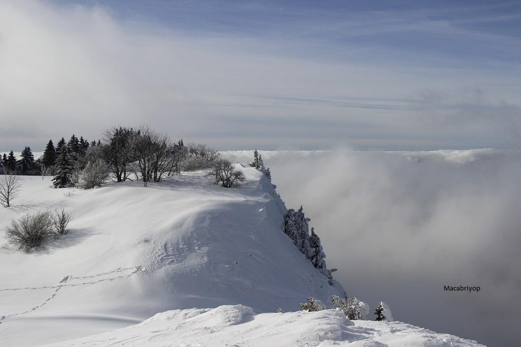 Mer de nuage à Nave
