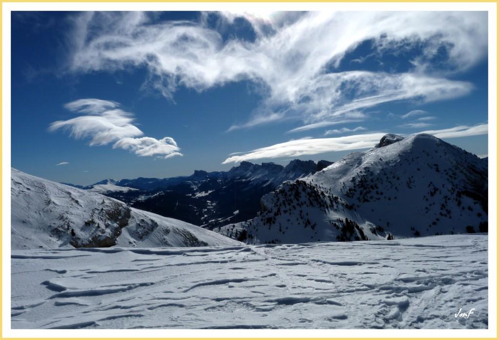 prolifération de nuages orographiques