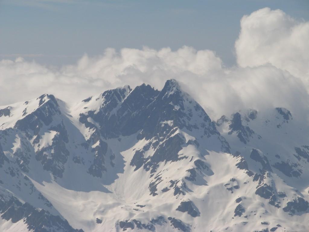 Belledonne sous les cumulus