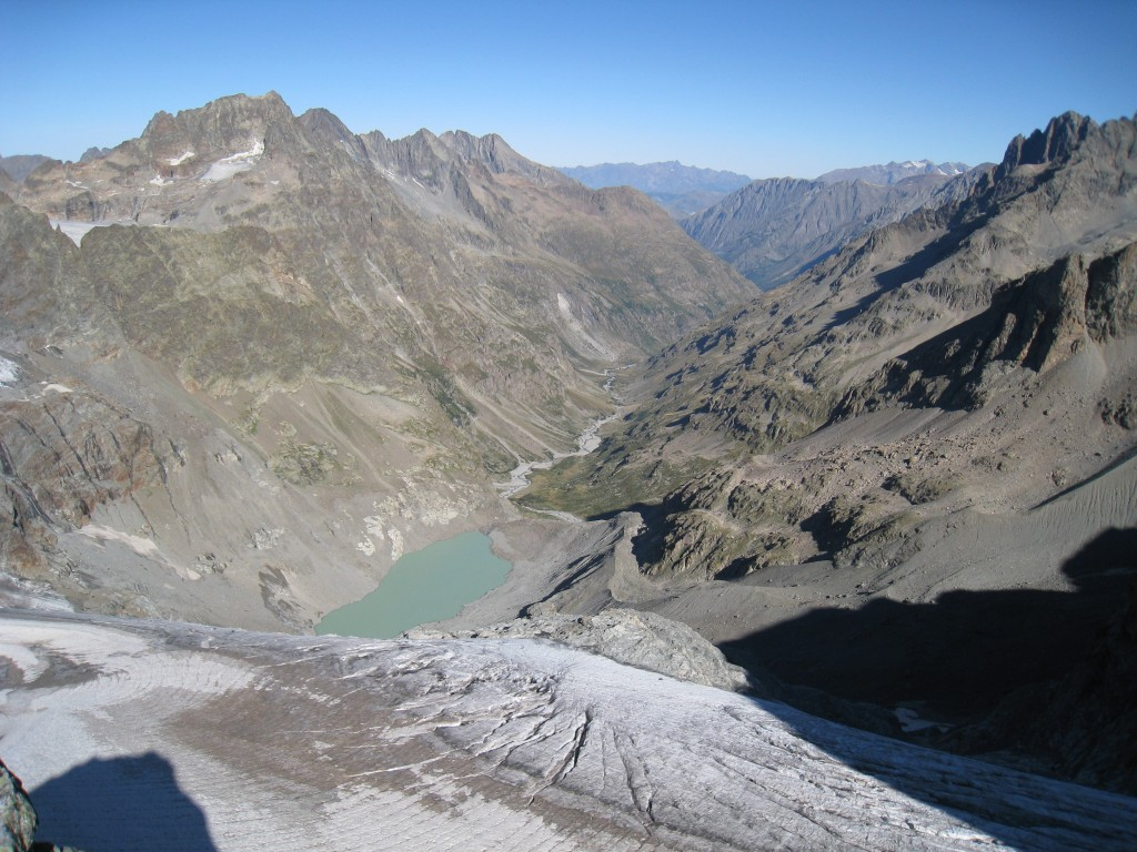 Lac du glacier de la Muande et vallon de la Lavey