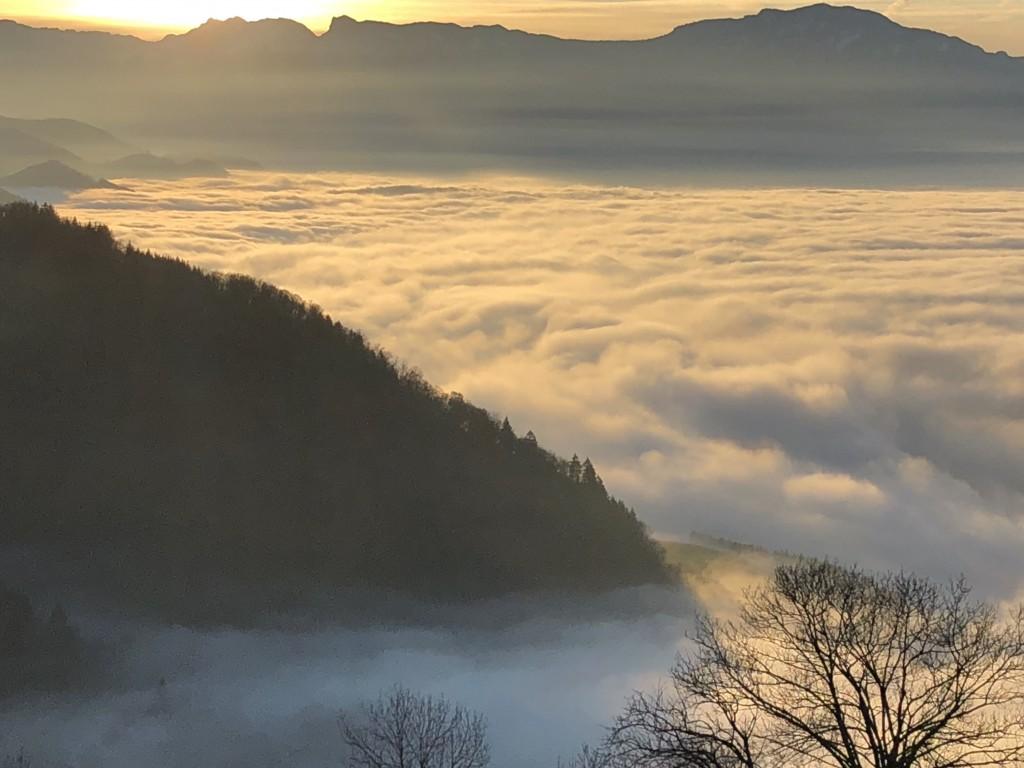 La Combe de Lancey, mer de nuages dans le Grésivaudan