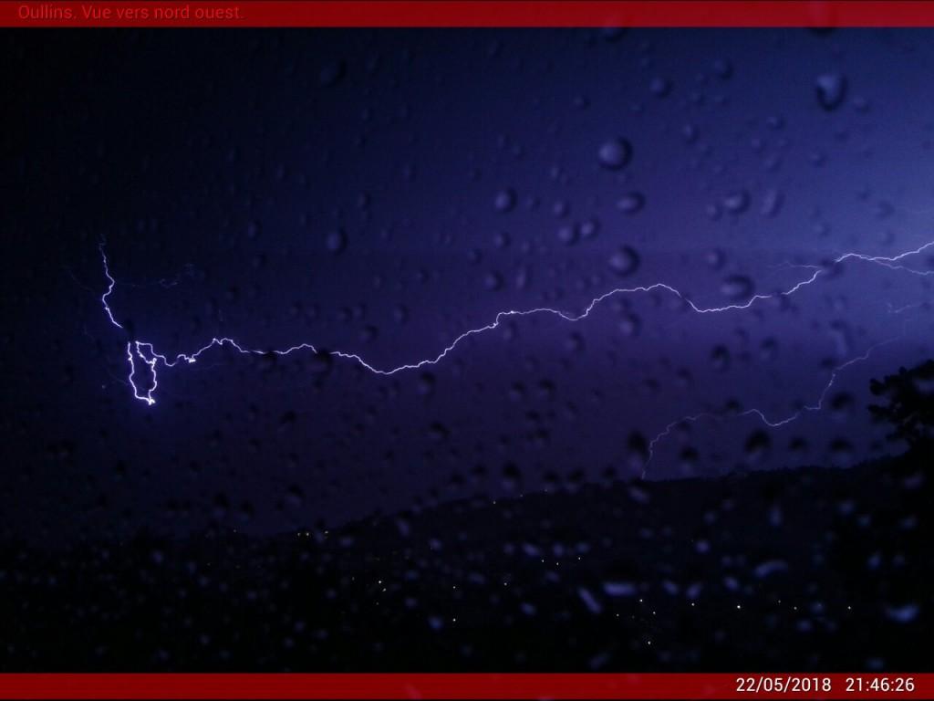 Eclair attrapé par la Webcam d'Oullins