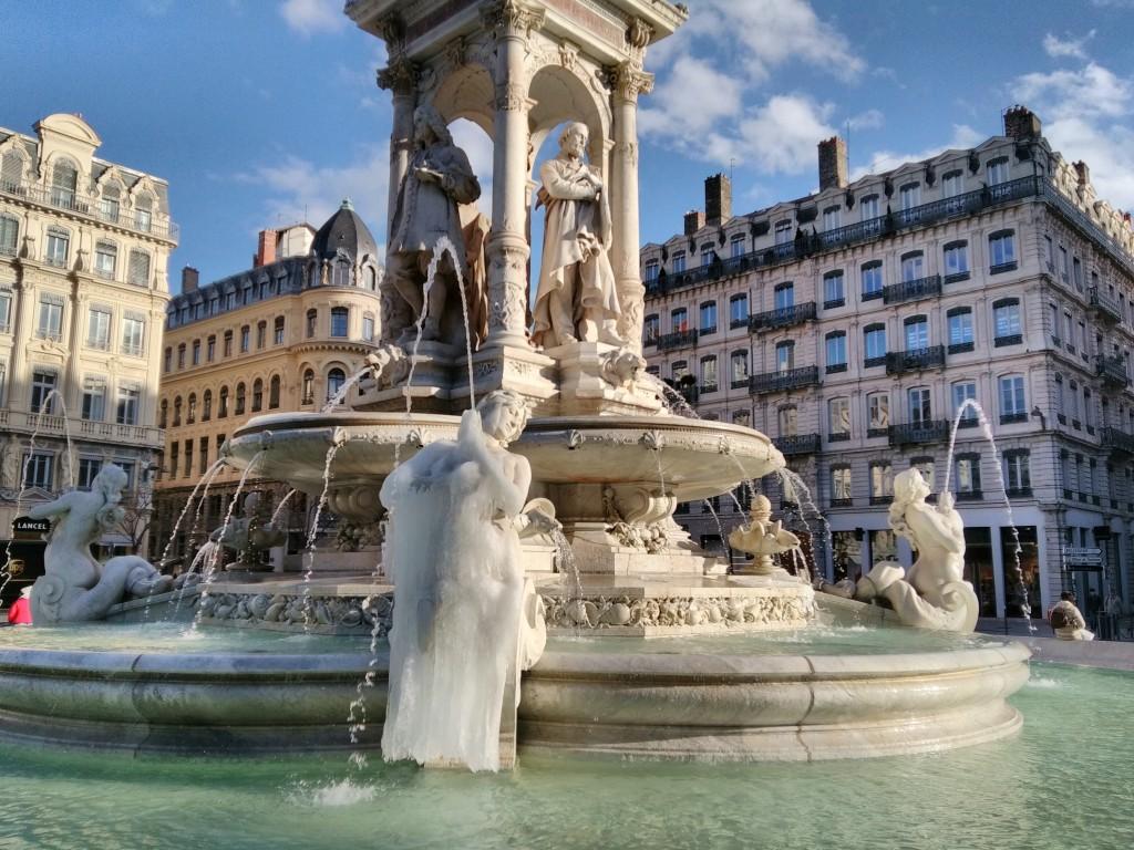 La fontaine des Jacobins garde le souvenir des grands froids