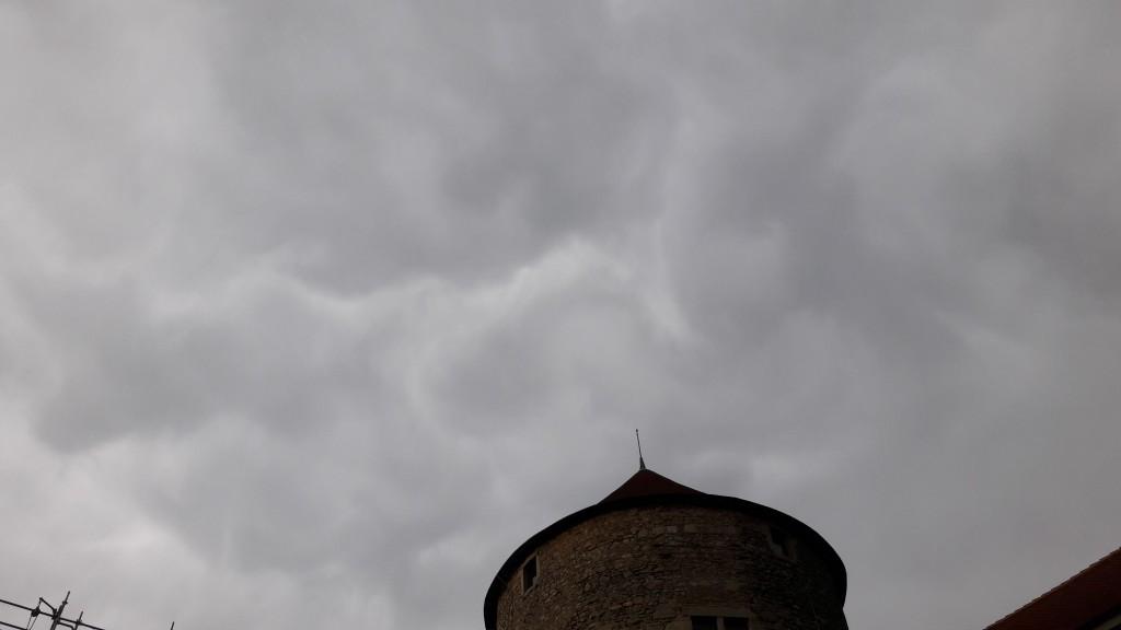 sous l'orage du 20 juillet au château des Allymes