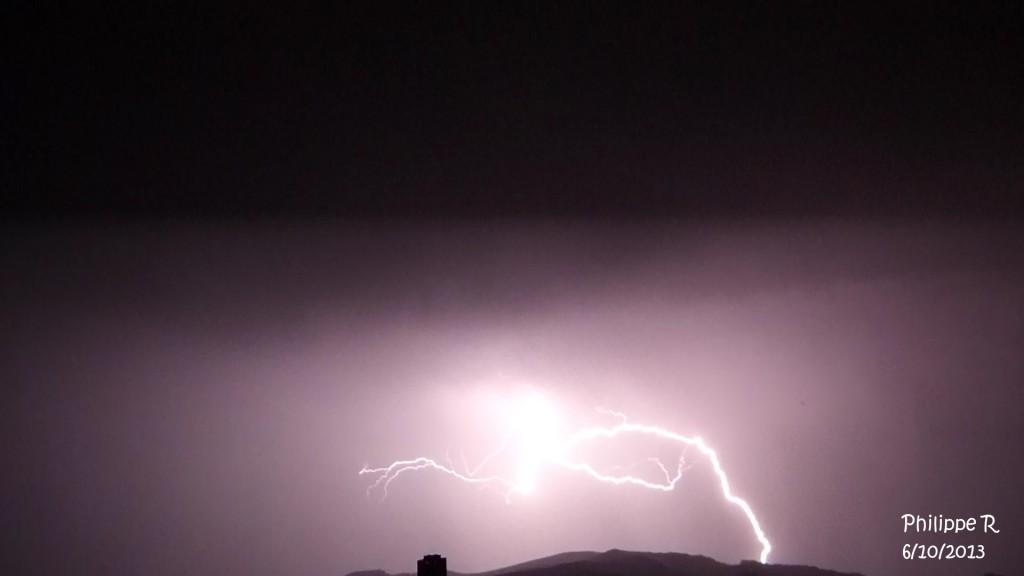 Image d'illustration pour Orages, trombes et possible tornade dans le Sud-Est