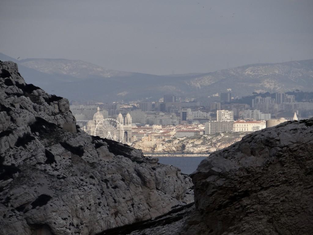 Fenêtre avec vue sur Marseille