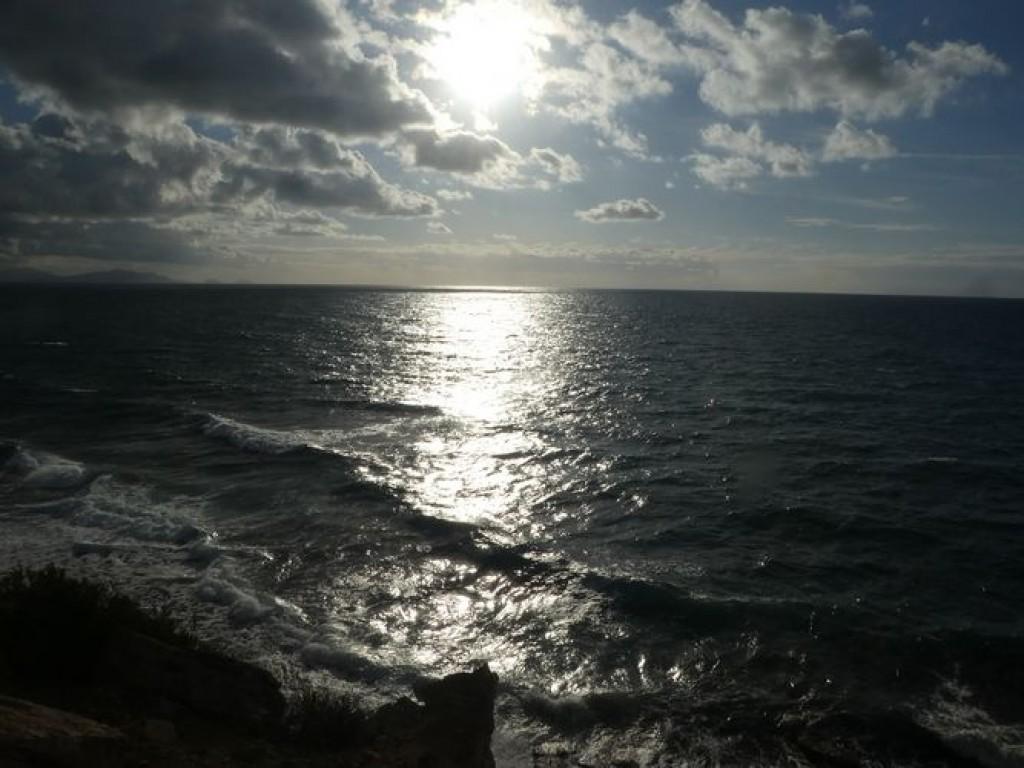 lumière nocturne sur la mer