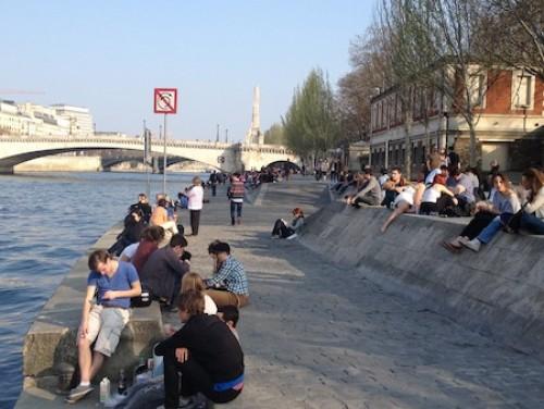 La fin du mois de mars fut extraordinaire et vraiment estivale. Photo prise à Paris le 25 mars 2012.