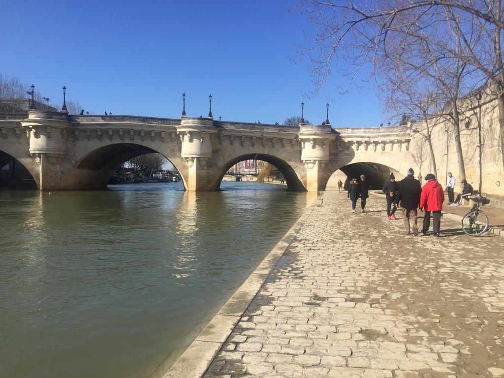 après la crue les quais de Seine ont réouvert au public