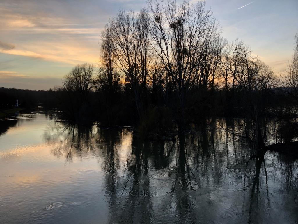 Beau soir sur la Seine en beauté
