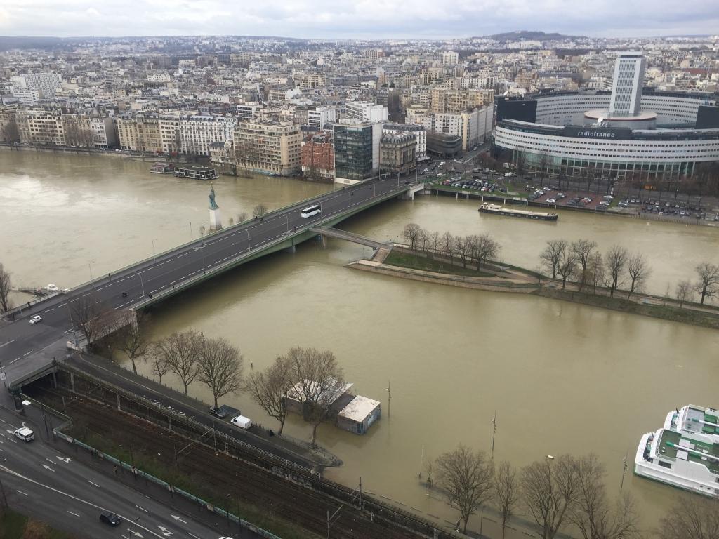 crue de la Seine au pont de Grenelle