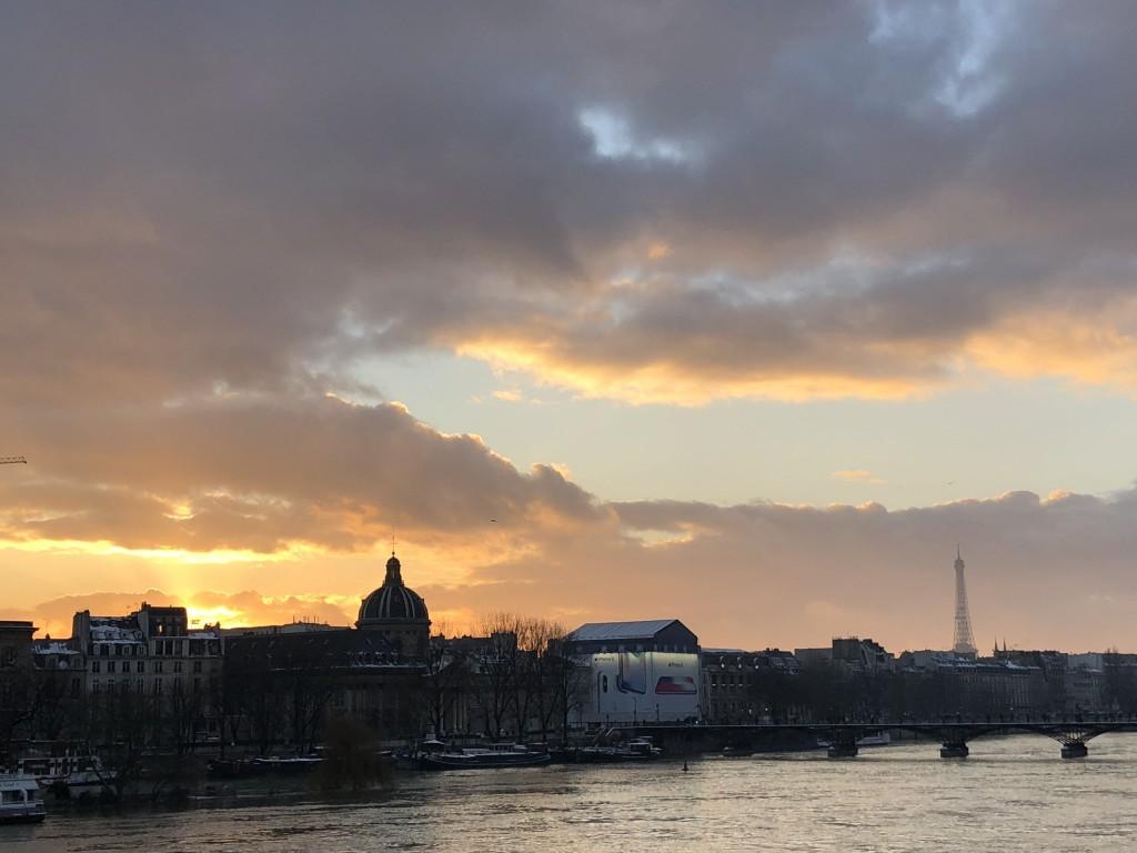 Le ciel de Paris me souris. Soraya Touchene