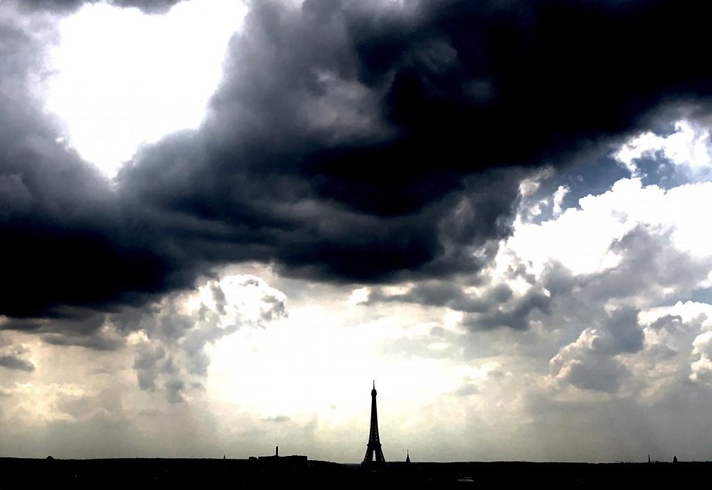 Le phare de Paris - Eiffel Tower
