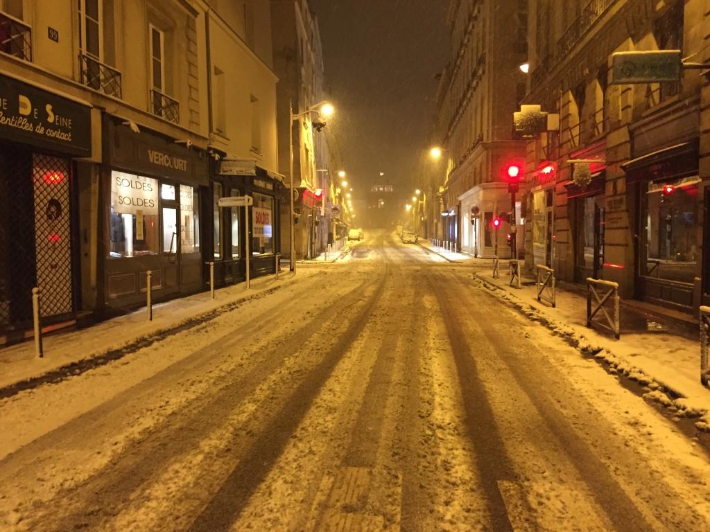 même les voies de circulation du centre de Paris sont difficiles d'accès