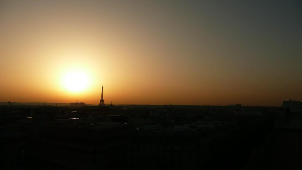 PARIS ET LE SOLEIL