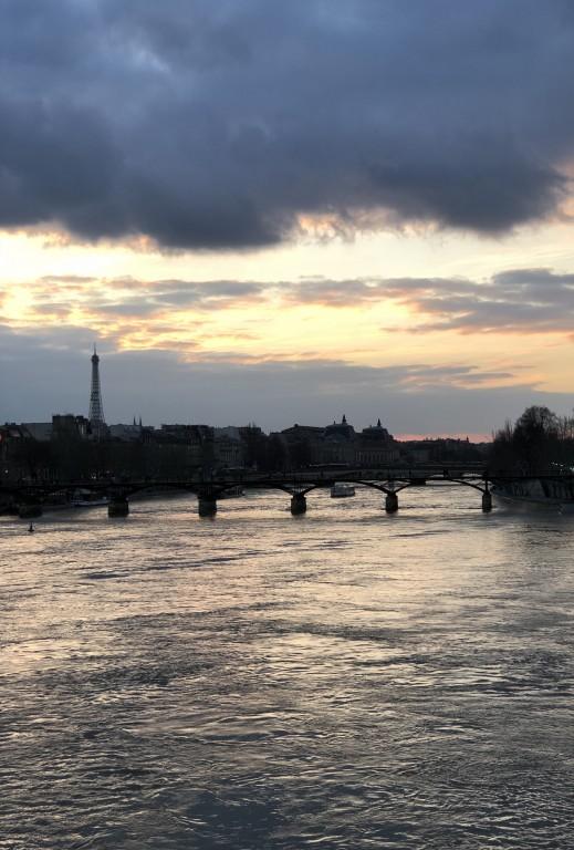 Pont Neuf et nuages Soraya Touchene