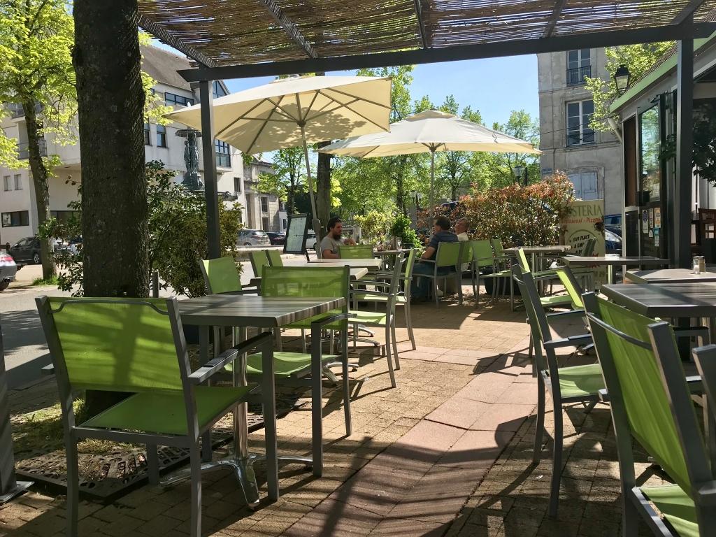 un temps idéal pour déjeuner en terrasse