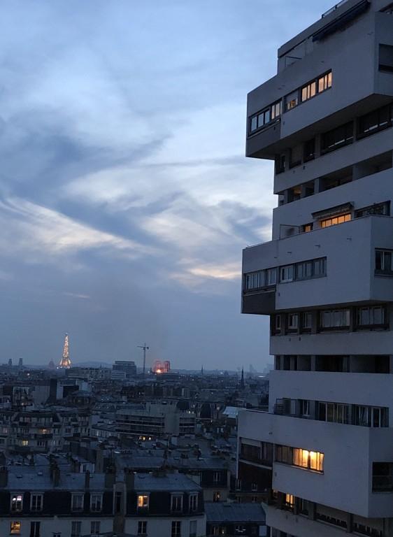 La Tour   Eiffel  s'inquiète 2 Soraya Touchene