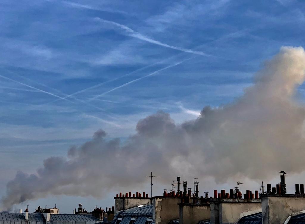 Notre-Dame en feu  incendie visible depuis Paris 9