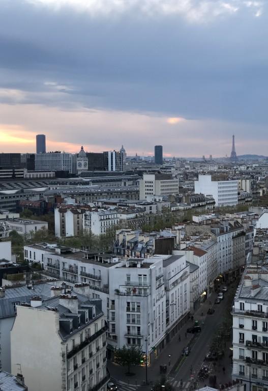 Paris sous une chape de nuages gris Soraya Touchene