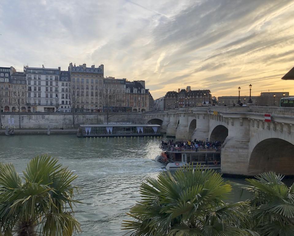 Pont Neuf à Paris  et ciel stratifié Soraya Touchene