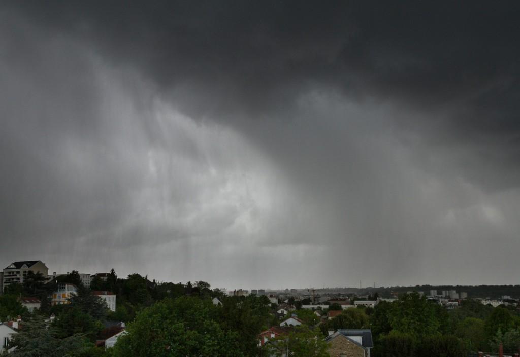 Averse orageuse grêligène en approche...