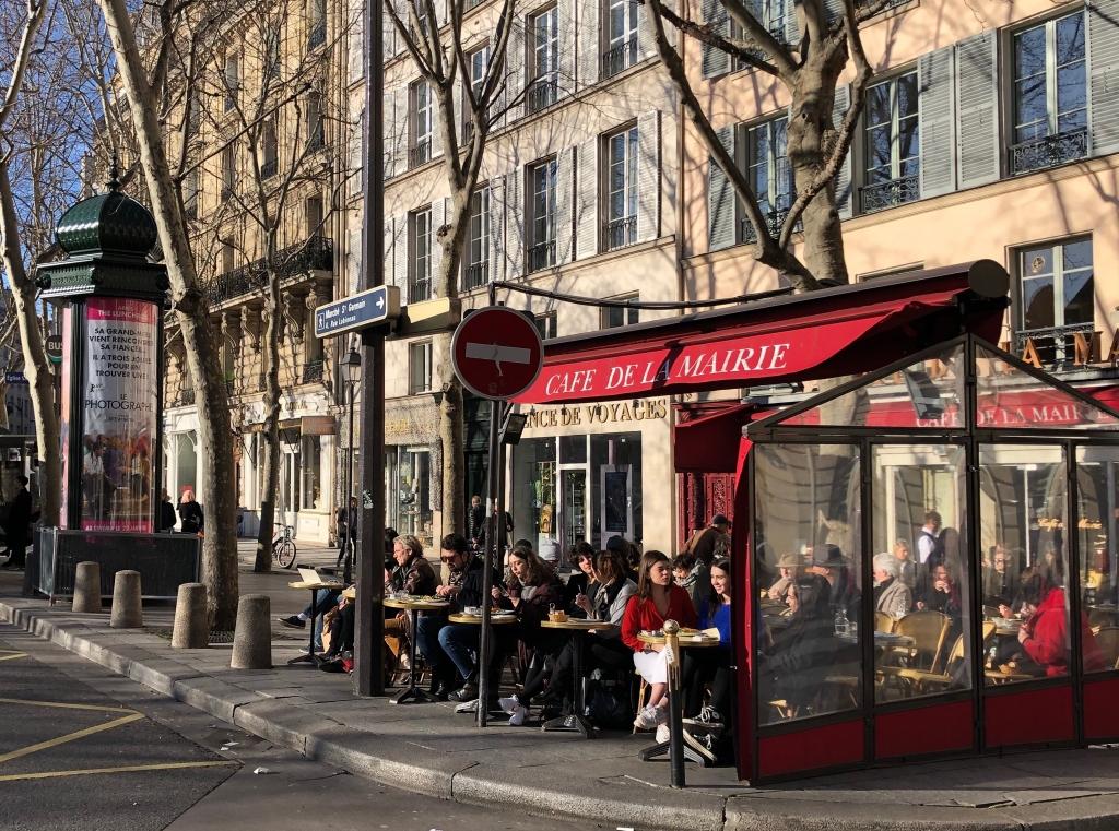 journée printanière à Paris