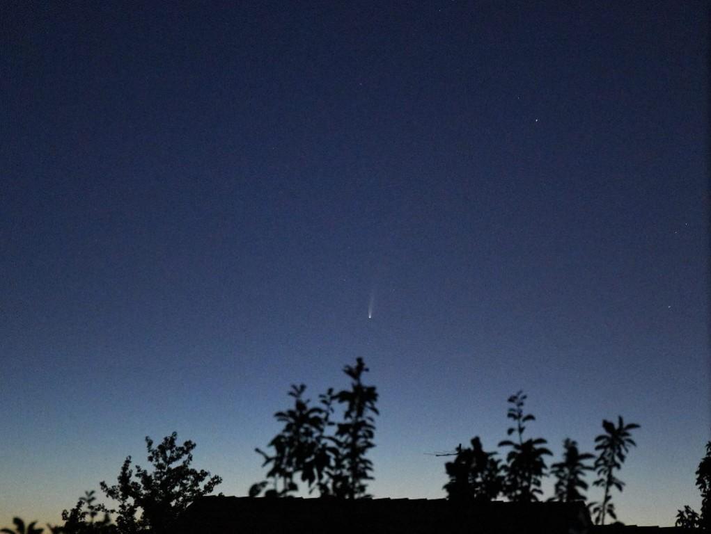 La comète NEOWISE à 4h22m du matin