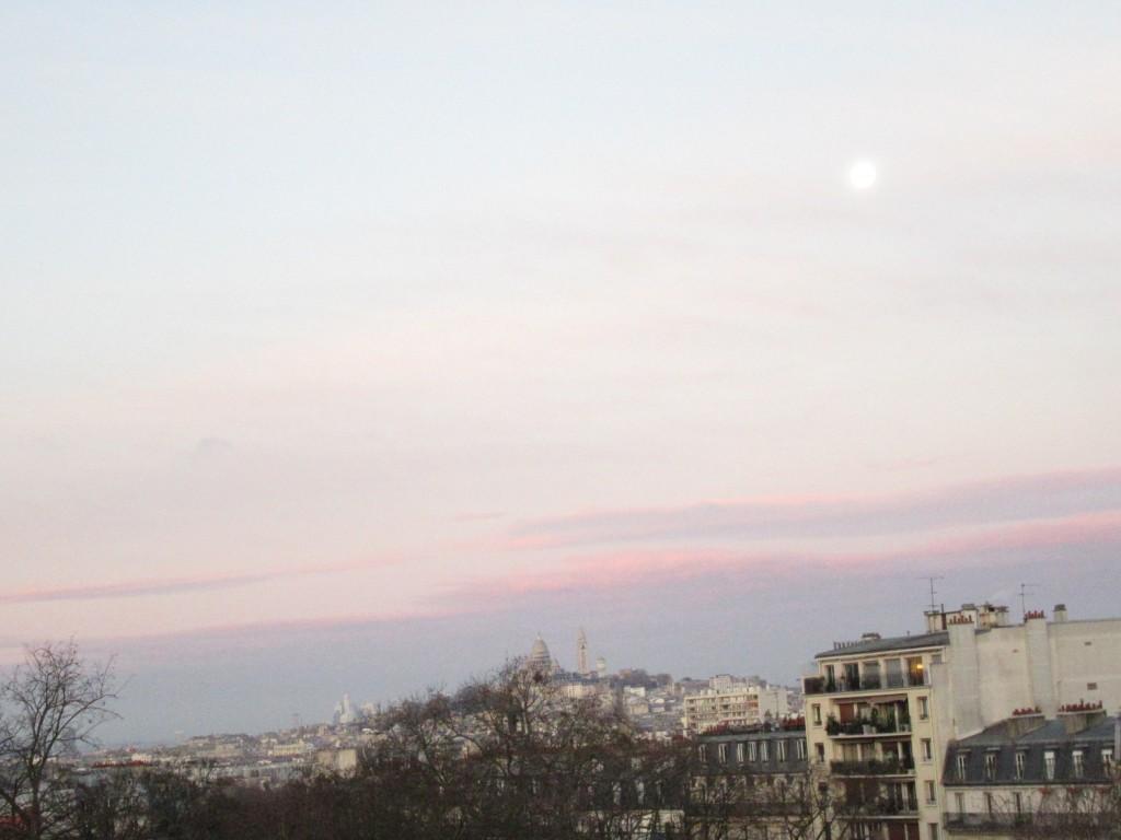 la lune laisse sa place à la journée