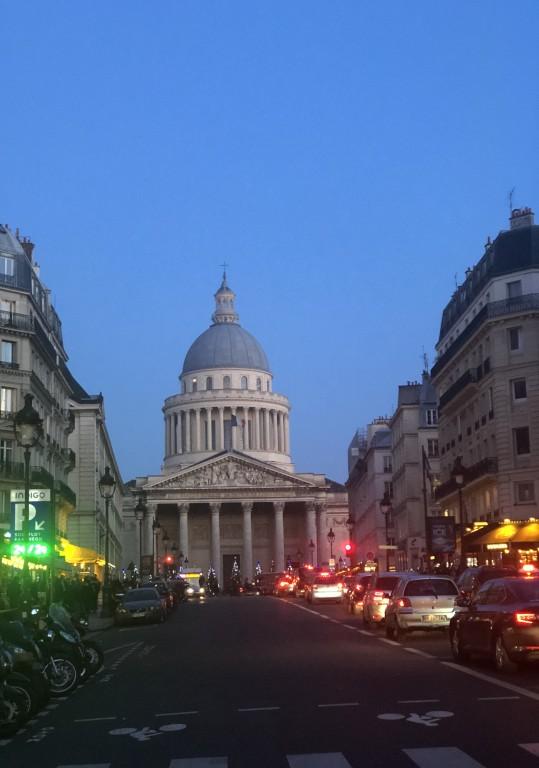 Le bleu du Panthéon Soraya Touchene