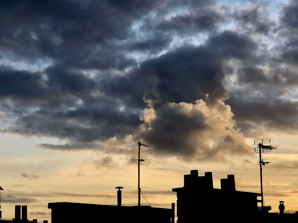 Petit nuage   distingué