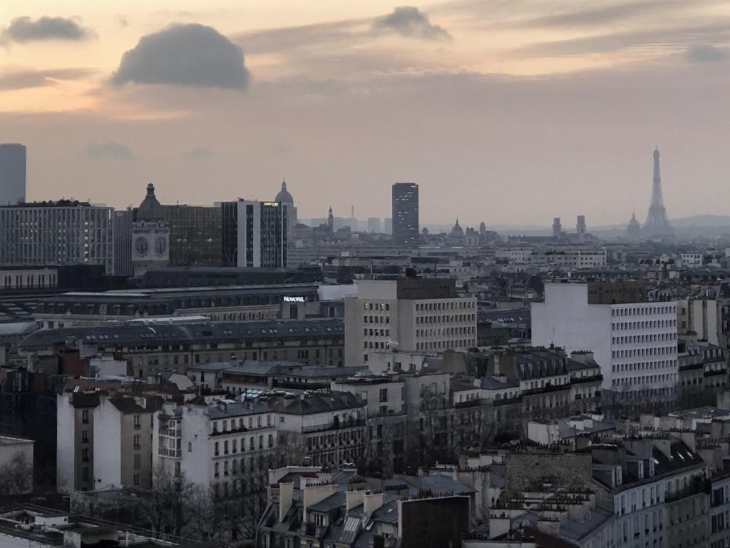 Un dôme dans le ciel de Paris Soraya Touchene