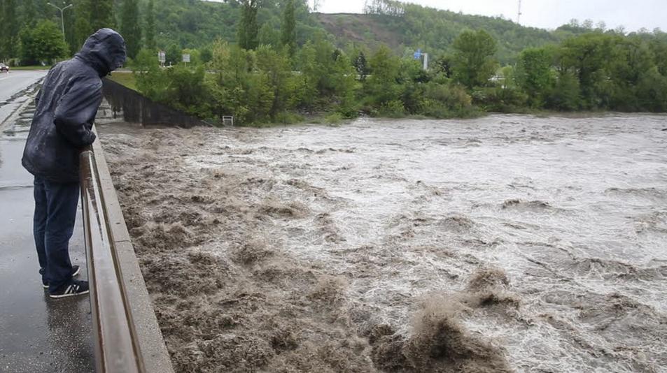 Image d'illustration pour Fortes pluie et inondations le 1er mai à l'Est - fort risque d'avalanche