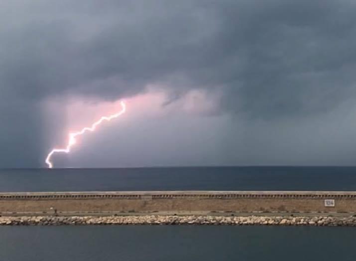 Image d'illustration pour Forte pluie et orage après une longue période sèche au Sud-Est