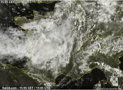 Image d'illustration pour Pluies, nuages et fraîcheur à Paris et en Ile de France
