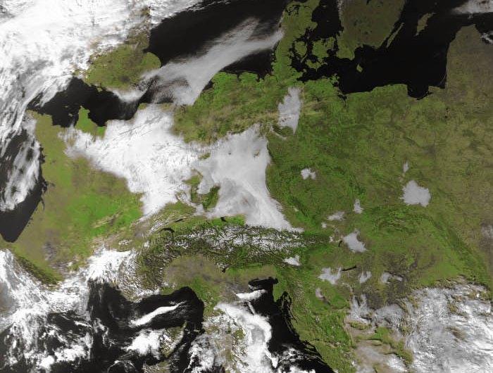 Image d'illustration pour Fraîcheur sous les grisailles - record de douceur en Bretagne