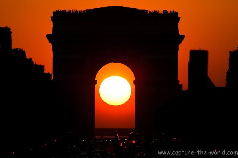 Coucher de soleil sous l 39 arc de triomphe 07 mai - Lever et coucher du soleil paris ...