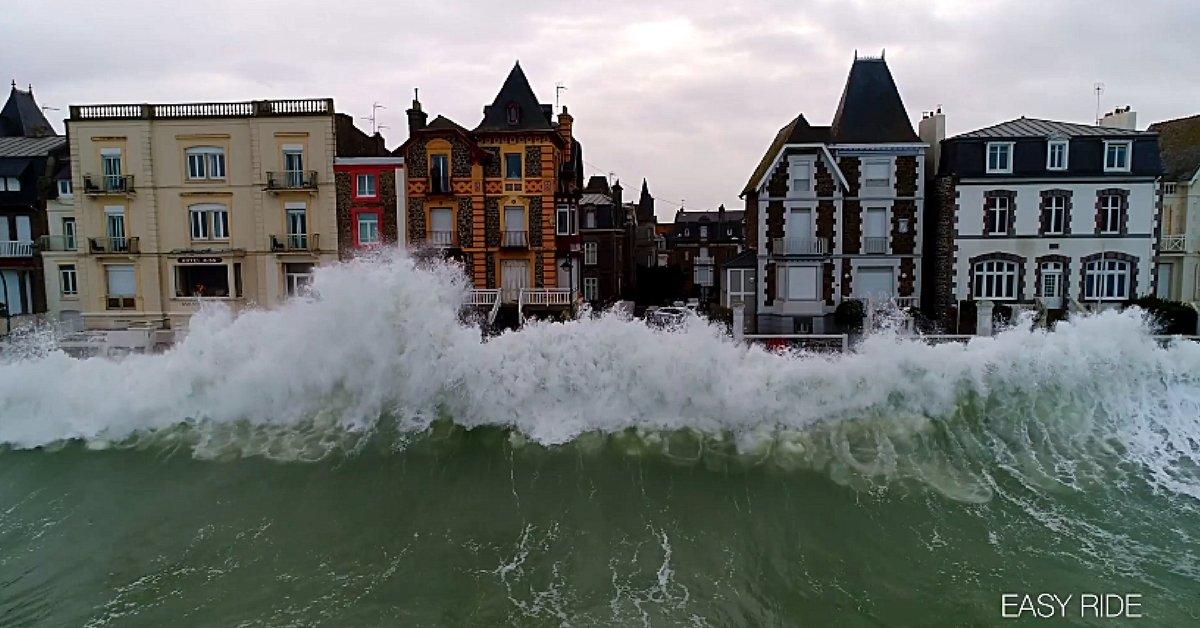 Image d'illustration pour Marées d'équinoxe : Quels risques y sont associés ?