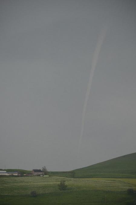 Image d'illustration pour Orages forts et probable tornade en Auvergne (Cantal)